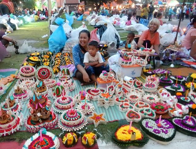 Krathong vendors sell a rich variety of wares.